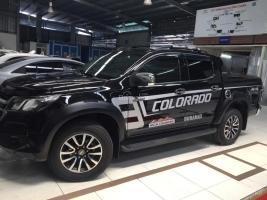 Bán xe Chevrolet Colorado High Country 2.8 AT 4x4 2017, nhập khẩu Thái, giá chỉ 839 triệu