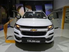 Bán ô tô Chevrolet Colorado High Country 2.8 AT 4x4 đời 2017, màu trắng, xe nhập, 839tr