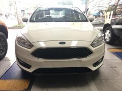 Bán ô tô Ford Focus Trend 2017 1.5 ecoboost năm 2017, màu trắng, giá tốt