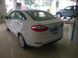 Cần bán Ford Fiesta Titanium đời 2017 giá cạnh tranh