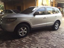Gia đình cần bán Hyundai Santafe 2008 màu bạc, xe còn đẹp