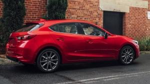 Cần bán Mazda 3 đời 2017, màu đen giá cạnh tranh