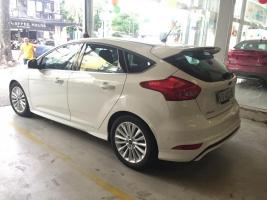 Bán Ford Focus đời 2017, đủ màu, giao xe ngay, hỗ trợ vay ngân hàng đến 80%