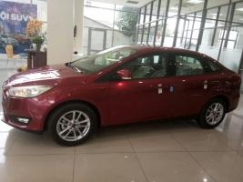 Bán ô tô Ford Focus sản xuất 2016, màu đỏ