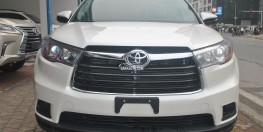 Toyota Highlander LE 2016 màu Trắng mới 100%.