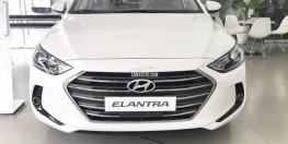 Hyundai Elantra 2018 số sàn màu trắng xe có sẵn giao ngay, giá khuyến mãi cực hấp dẫn, hỗ trợ vay trả góp lãi suất ưu đãi