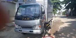 Xe tải nhẹ JAC 2t4 thùng dài 3m7 động cơ ISUZU.