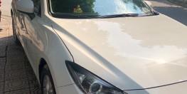 Bán mazda 3 hatchback đời 2017, màu trắng