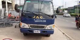 Xe tải JAC 2t4 thùng dài 3m7 đóng thùng theo yêu cầu.
