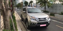 Bán xe Isuzu MU-X đời 2017 số sàn máy dầu nhập khẩu nguyên con,