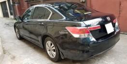 Bán Honda Accord màu đen, số tự động