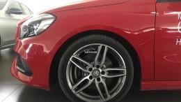 Bán xe Mercedes A250 Đỏ cũ - lướt 6/2018 Chính hãng.