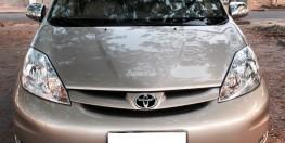 bán xe Toyota Sienna LE 2007 màu vàng ghi nhập Mỹ