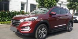 Bán gấp Hyundai Tucson 2.0 màu đỏ 2015 Full option nhập Khẩu.