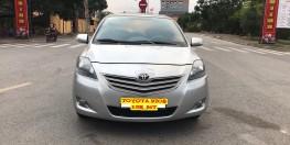 Bán Toyota Vios 1.5 E đời 2013, màu bạc, 405 triệu. Nói k với Limo taxi