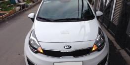 bán xe Kia Rio model 2017 số tự động màu trắng bstp gia đình sử dụng