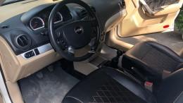 Chevrolet Aveo 2017 số sàn màu trắng Tuyệt đẹp. Xe gia đình sử dụng, không kinh doanh