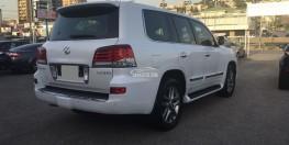 Kẹt tiền bán chiếc lx570 sx 2014 màu trắng, biển sg 1 chủ duy nhất, odo 7 vạn 4, xe bản đủ máy V8 5.7L, ghế da bò, sấy ghế