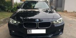 BMW 320i model 2015, ngoại thất màu đen tuyền