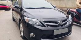 Bán Toyota Altis 2011 tự động 2.0 màu đen full