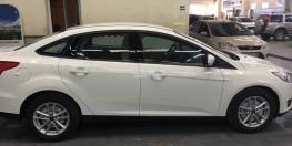 Chính chủ bán xe Ford Focus Trend, Đời 2018, biển HN,  màu trắng, giá 600tr