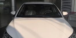 Bán Hyundai Elantra 1.6 MT Màu Trắng 2018 > Xe giao ngay
