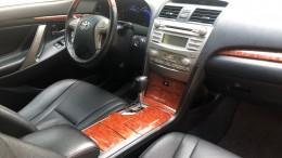 Cần bán xe Toyota Camry 3.5Q, Model 2010 màu đen, bản full
