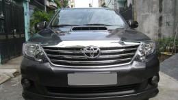 Bán Toyota Fortuner 2013 máy dầu Xám long chuột xe đi kỹ.
