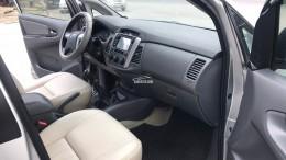 Bán Toyota Innova 2.0 E đời 2013, màu bạc, xe đẹp xuất sắc
