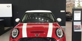 Bán xe MINI Cooper S 5 Door LCI, màu đỏ chili Red, nhập nguyên chiếc từ Anh Quốc. Hỗ trợ thủ tục nhanh chóng, đội ngũ nhân viên tư vấn nhiệt tình và chuyên nghiệp.