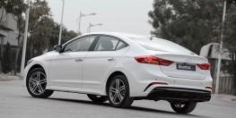 Elantra đủ màu, đủ phiên bản, hổ trợ vay lên đến 80% giá trị xe, xe có sẳn, giao ngay. giá từ 560tr