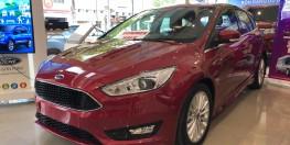 Ford Focus Titanium 9/2019 chỉ