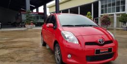 Bán xe yaris RS màu đỏ 2013, xe nhập