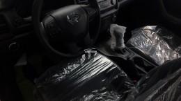 Ford Ranger XLT 2.2 AT và MT