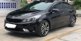 Bán xe Kia Cerato 2018 màu đen còn mới 90%