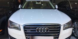 Cần bán Audi A8L 4.2 sản xuất 2011 màu trắng.