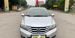 Honda City 1.5AT cuối 2014, số tự động, màu bạc. 1 chủ