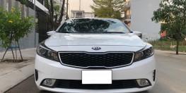 Cần bán xe Kia Cerato model 2019 màu trắng ,