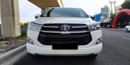 Cần bán xe TOYOTA INNOVA 2.0G 2018 màu trắng xe đẹp đi kĩ chính hãng Toyota Sure