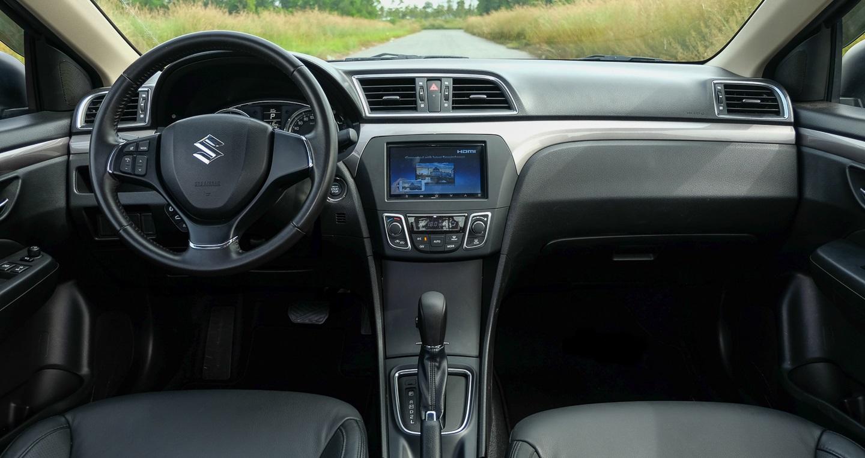 Đánh giá xe Suzuki Ciaz 2
