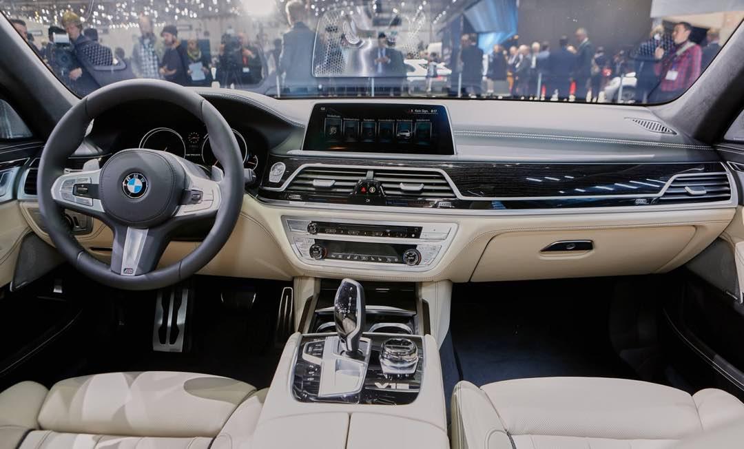 BMW M760Li xDrive 2017 2