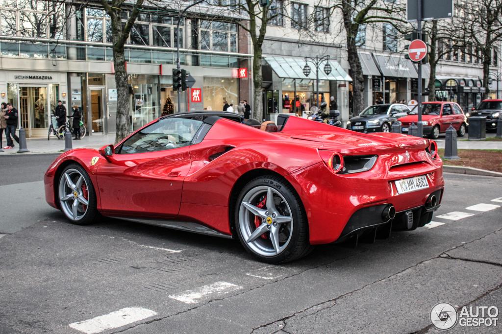 Ferrari 488 Spider 8