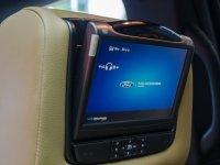 Đánh giá xe Ford Explorer 2017: Màn hình dành cho người ngồi phía sau 1