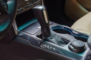 Đánh giá xe Ford Explorer 2017: Hộp số tự động 6 cấp 1