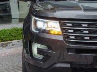 Đánh giá xe Ford Explorer 2017: Đèn sương mù dạng móc câu 1