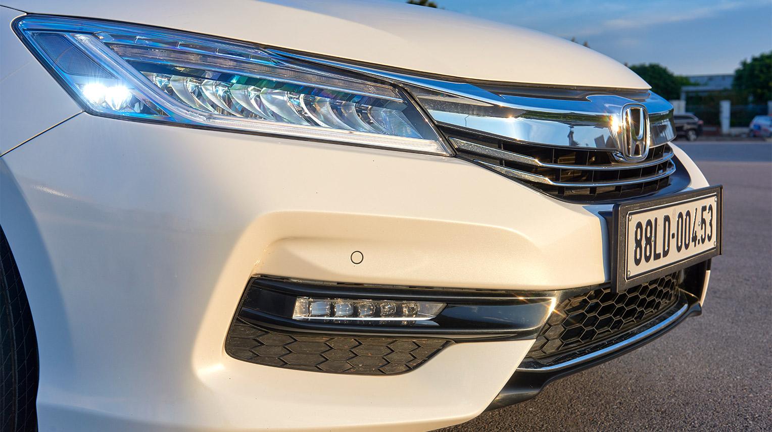 Honda Accord 2017 2-1