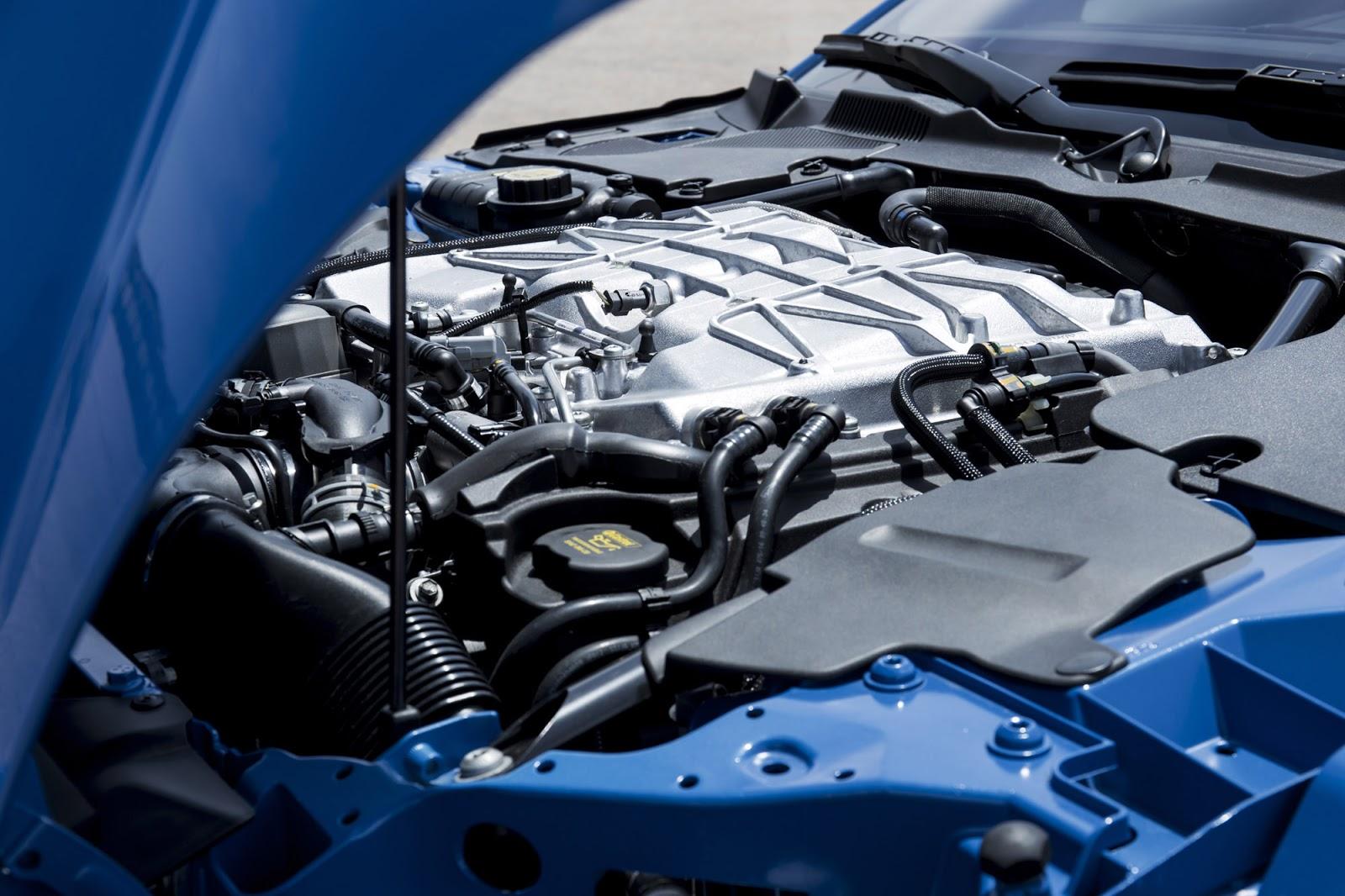 Jaguar F-Type SVR 2017 1