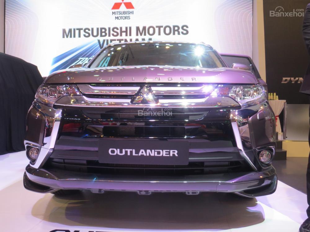 Mitsubishi Outlander 2017 1
