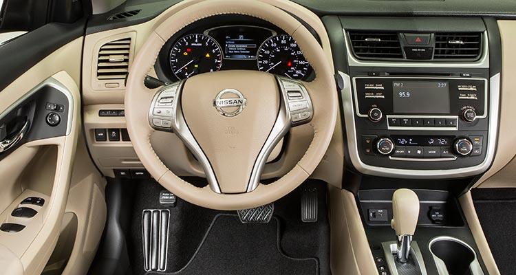 Nissan Altima 2017 4
