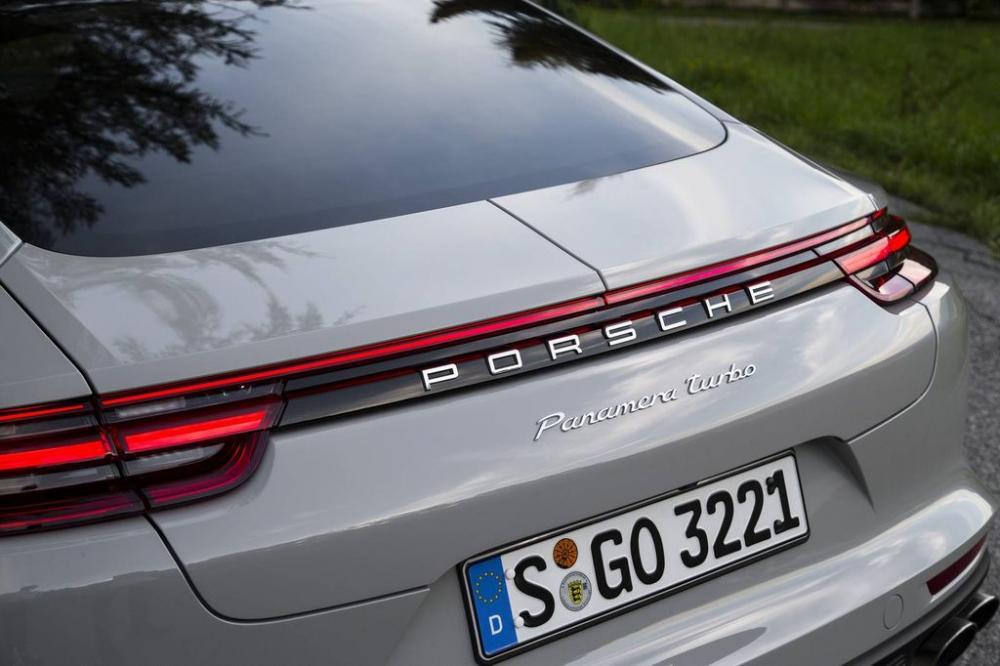Porsche Panamera Turbo 2017 3